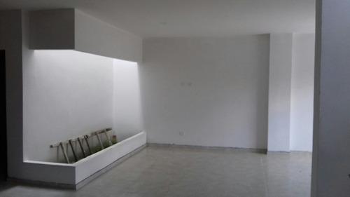 se vende casa de 2 pisos campo alegre-montería