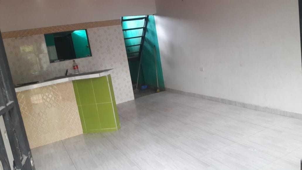 se vende casa de 2 pisos (economica)