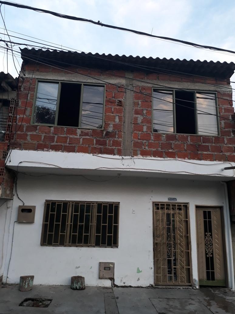 se vende casa de 2 plantas o se cambia por finca