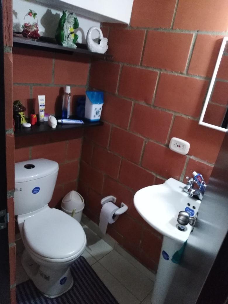 se vende casa de 3 habitaciones y dos baños