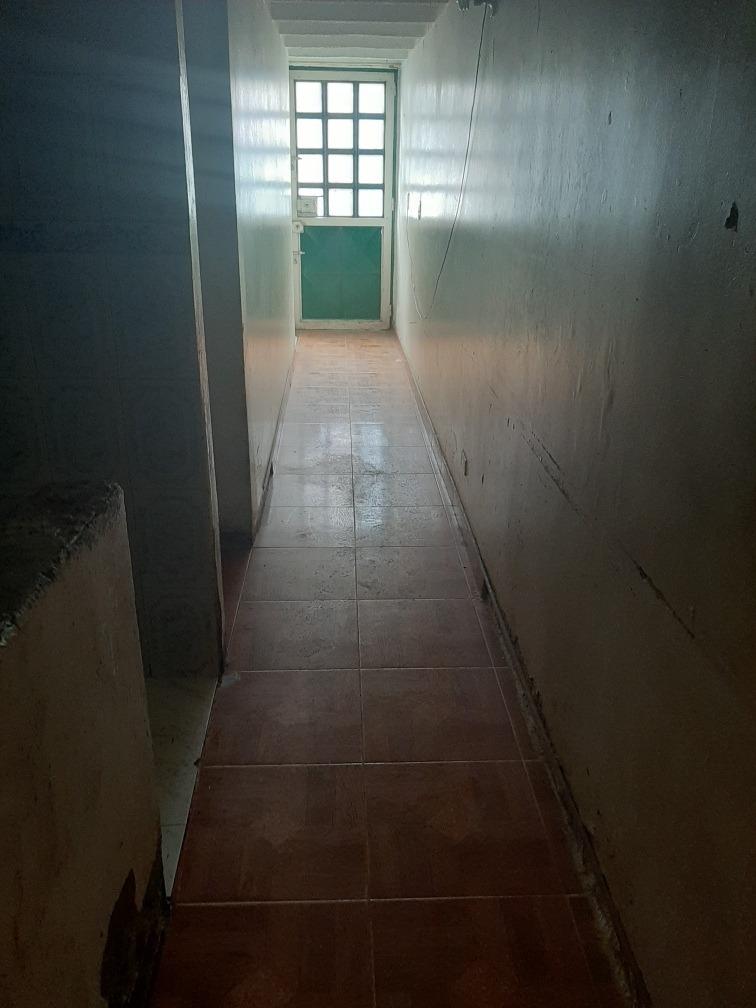 se vende casa de 3 pisos 4 habitaciones, 3 baños. 2salas