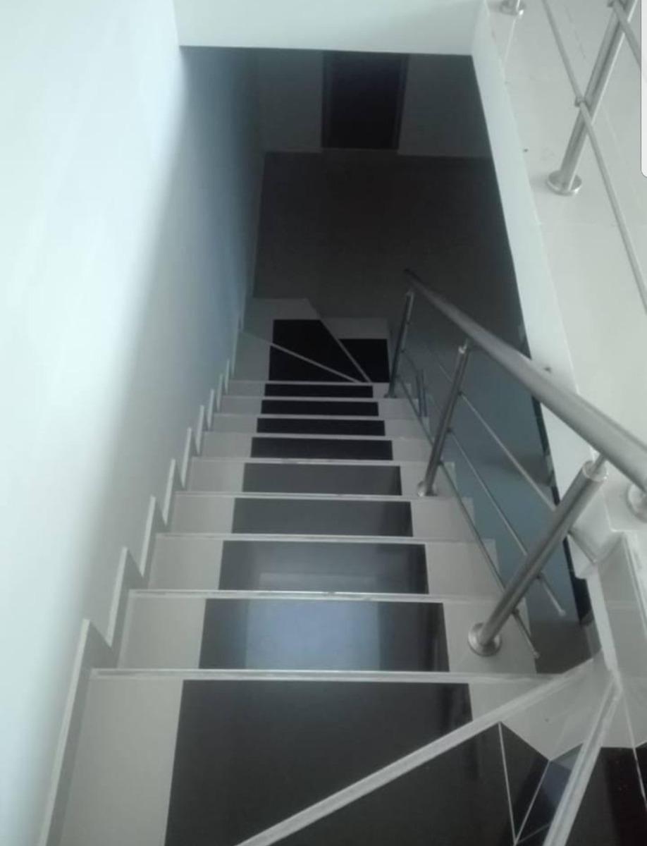 se vende casa de 3 pisos para estrenar ibagué