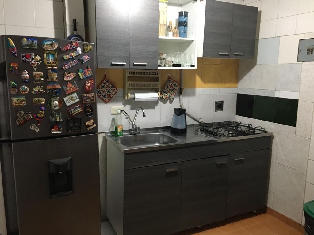 se vende casa de 3 pisos rentable