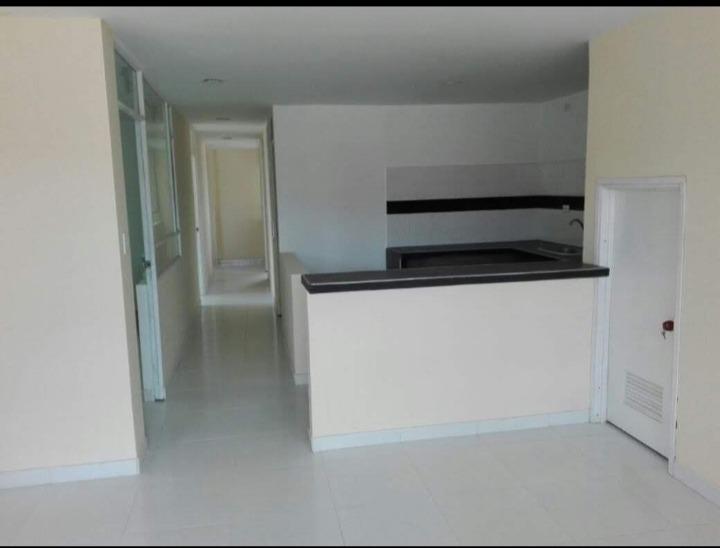 se vende casa de 390m2 en la ciudad de  tunja muy bien ubica
