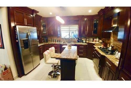 se vende  casa en alta california