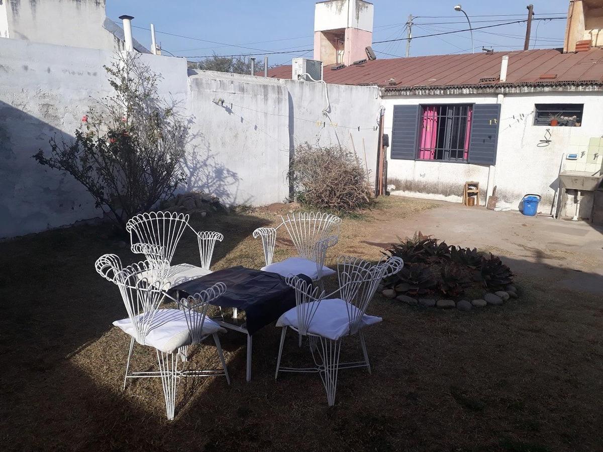se vende casa en barrio 16 de noviembre - arguello.-