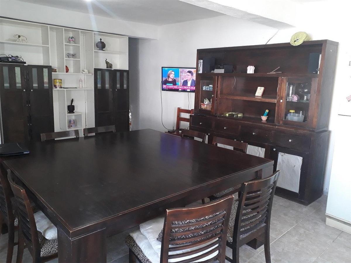 se vende casa en barrio consorcio 16 de noviembre.-