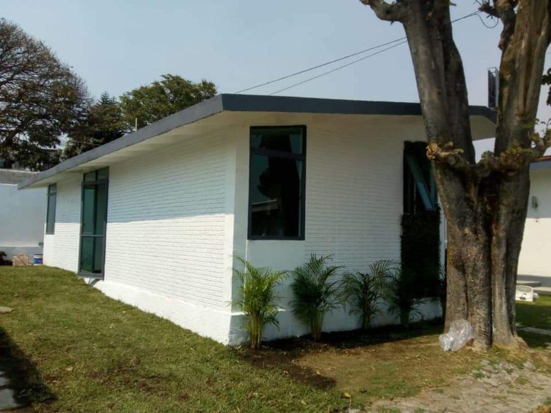 se vende casa en condominio con alberca y jardin