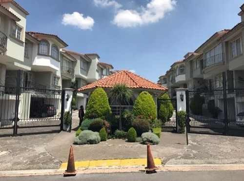 se vende casa en condominio en interlomas