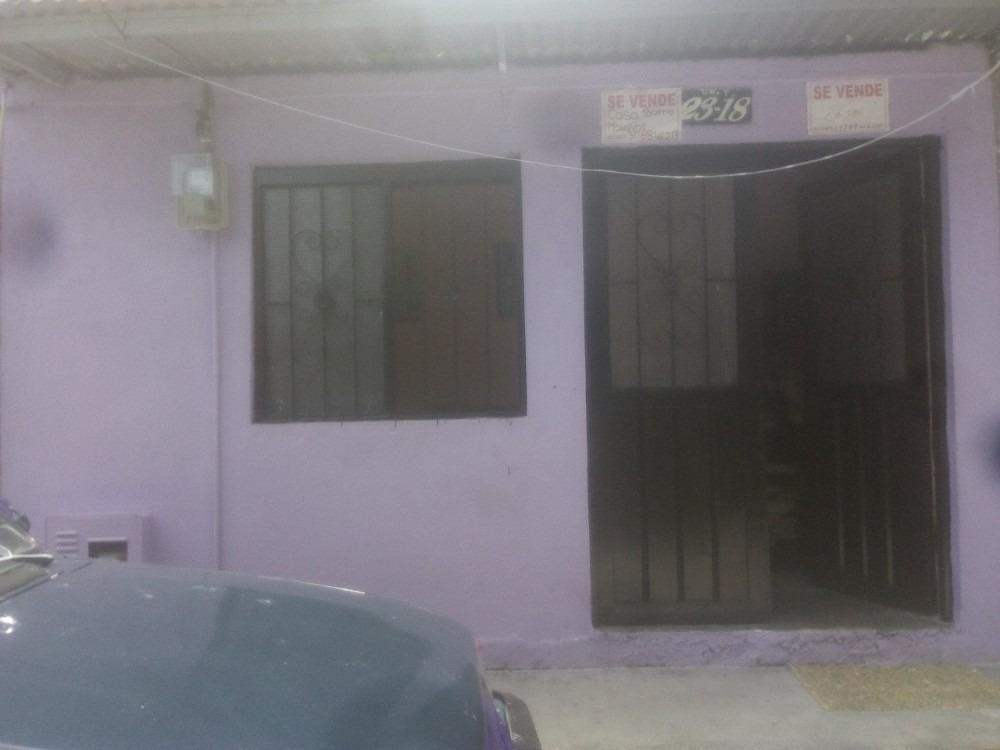 se  vende casa en el barrio  la gaviota