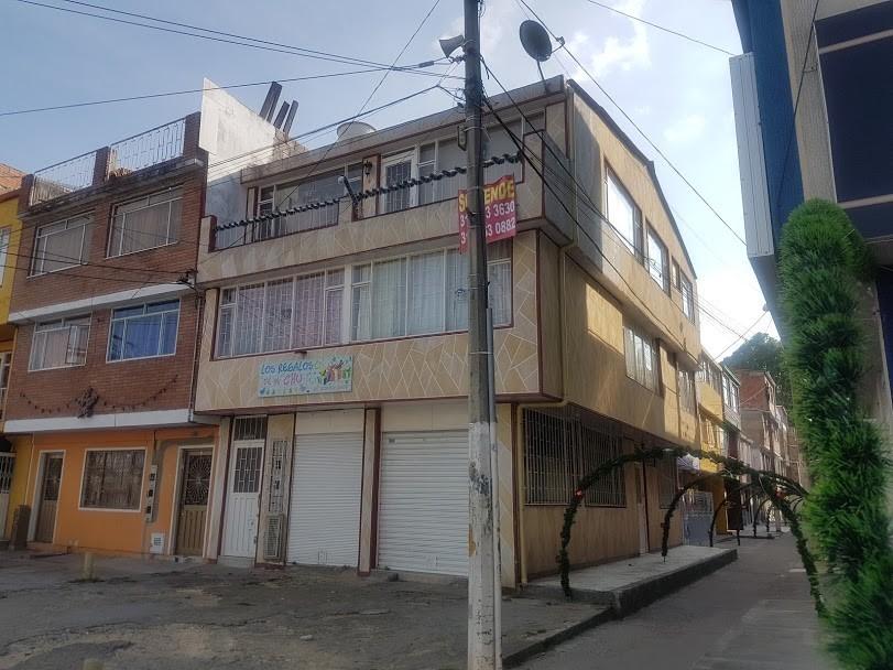 se vende casa en el garcés navas de tres pisos rentable