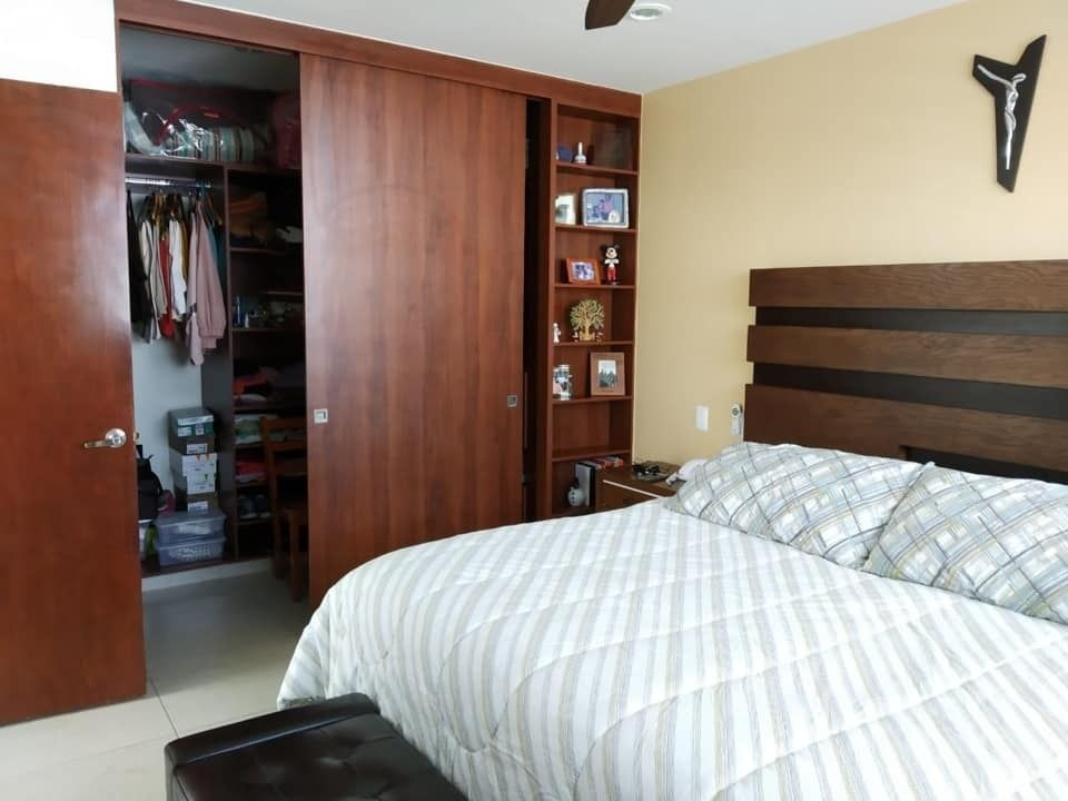 se vende casa en el refugio, 3 recamaras, sala tv, equipada, 3.5 baños, ganala !
