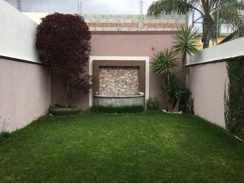 se vende casa en fraccionamiento rincón de la calera