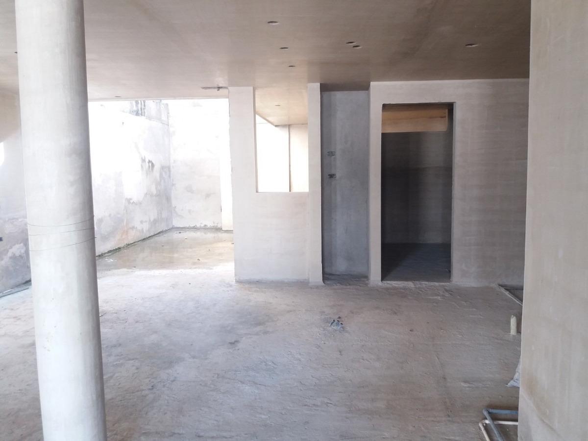 se vende casa en gris en urbanismo privado en tucape