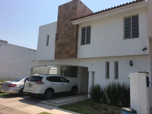 se vende casa en jardín real con hermosos acabados!! 206 mts