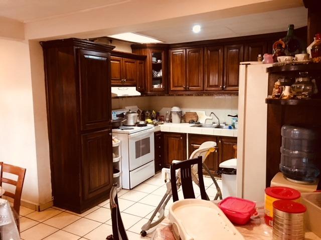 se vende casa en la colonia  kennedy precio negociable