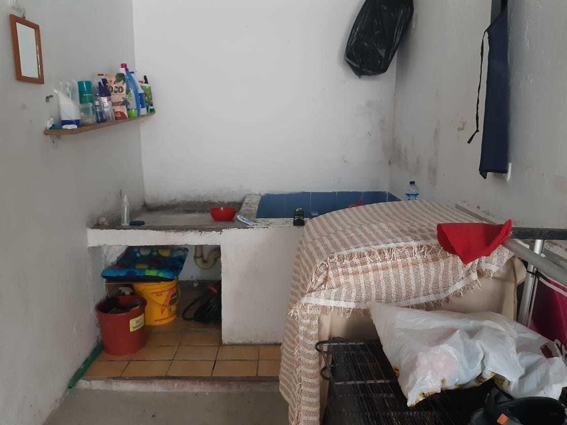se vende casa en la tebaida  ubicada en barrio tradicional.