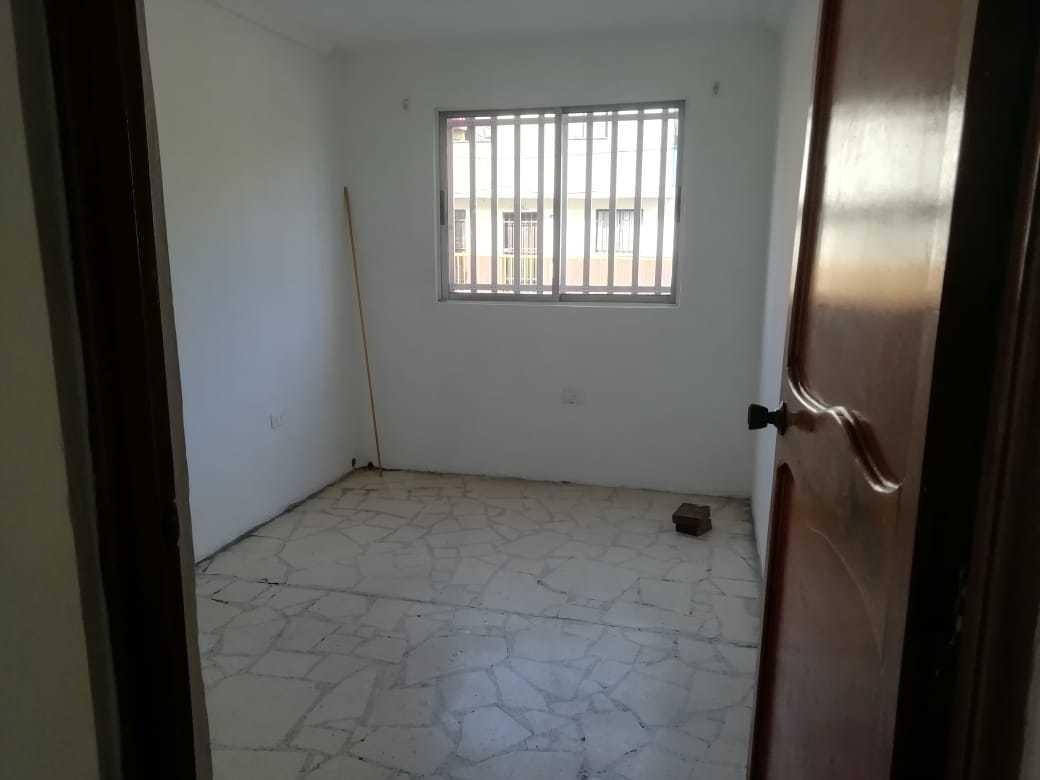se vende casa en manrique central en la cra 44 negociables