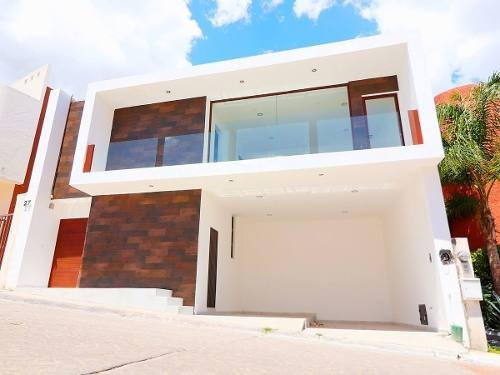 se vende casa en milenio iii