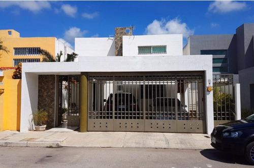 se vende casa en privada quinta real