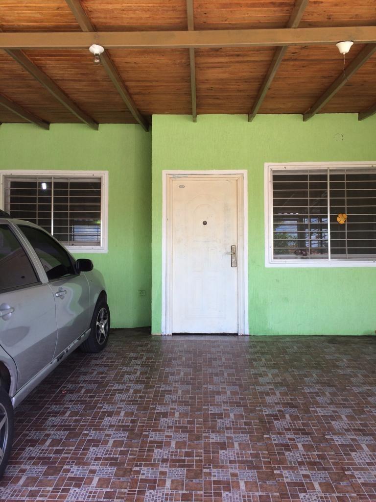 se vende casa en res. villa icabarú