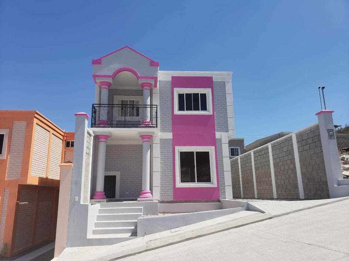 se vende casa en residencial santa rosa