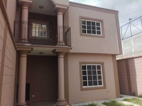 se vende casa en residencial  venecio