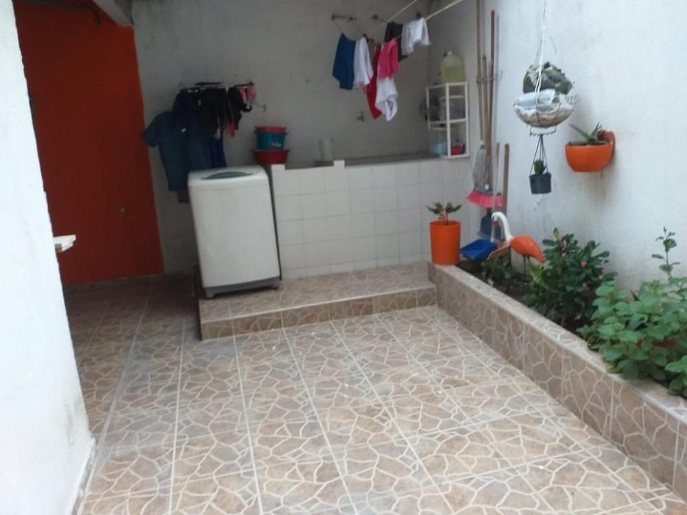 se vende casa en santa rosa cerca del cc mayales
