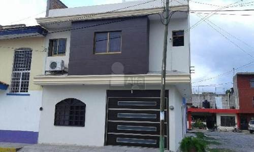 se vende casa en tepic, col 26 de septiembre