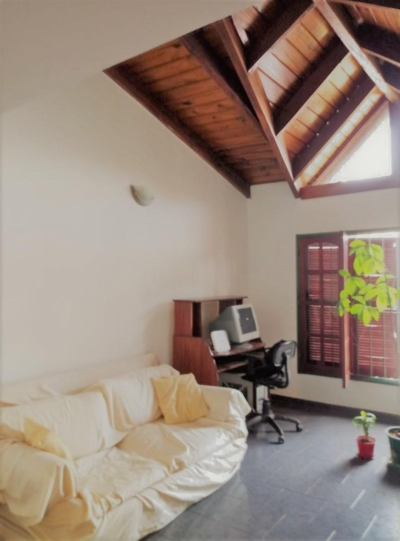 se vende casa en urca, 2 dormitorios y escritorio