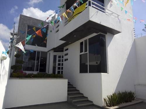 se vende casa en villa satélite calera
