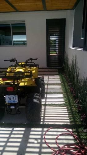 se vende casa nueva en esquina el refugio 100mts jardín