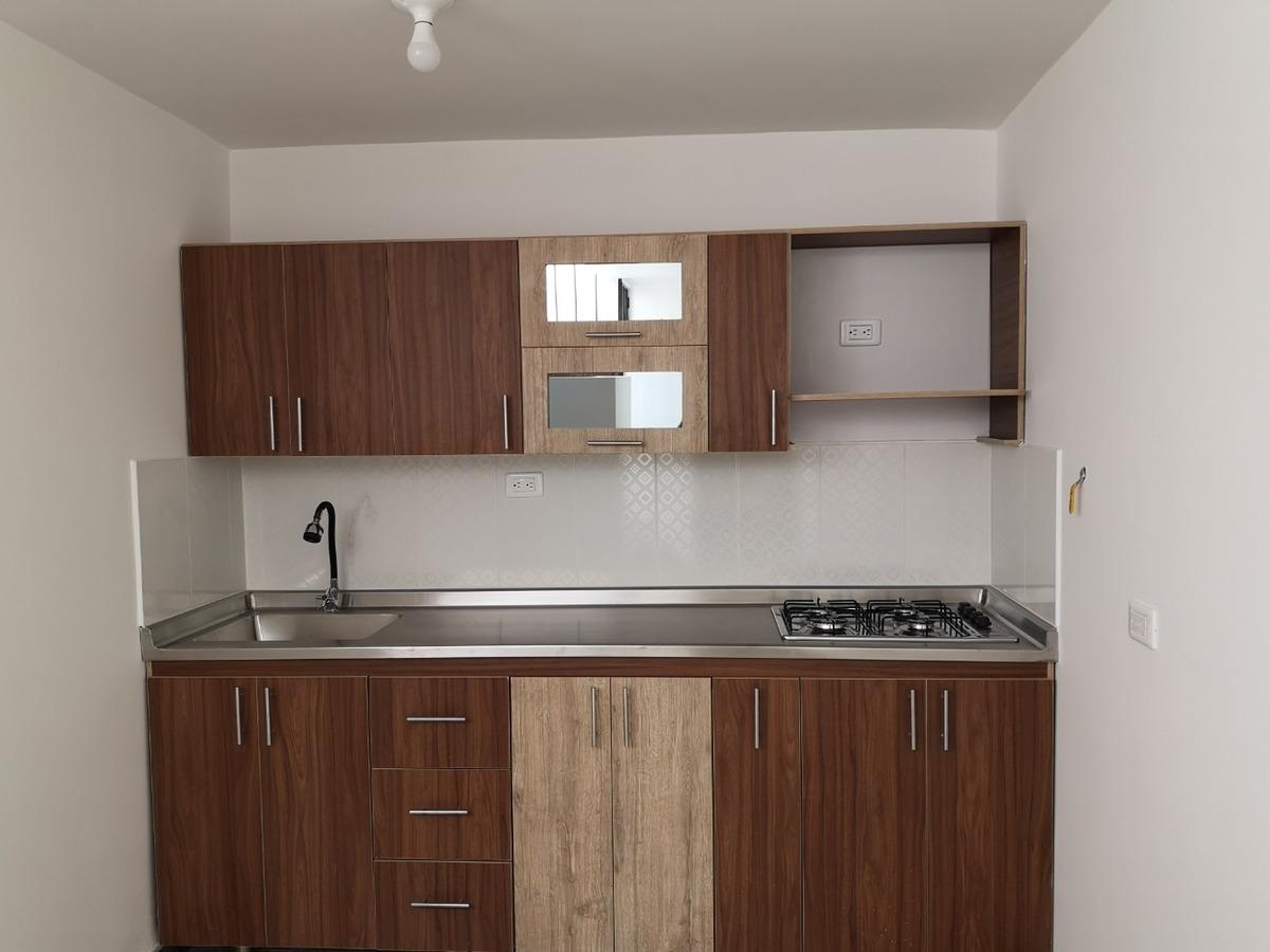 se vende casa, recién remodelada, todos sus acabados nuevos.