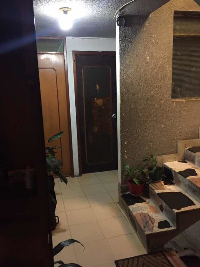se vende casa rentable- 3 apartamentos- respaldó av boyaca