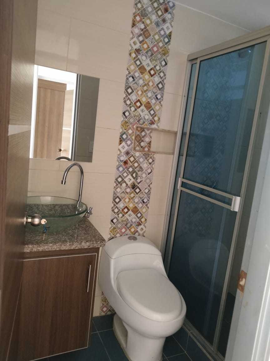 se vende casa rentable tres apartamentos con garaje