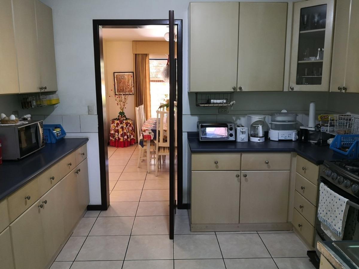 se vende casa residencial miramar de 2 plantas, privado