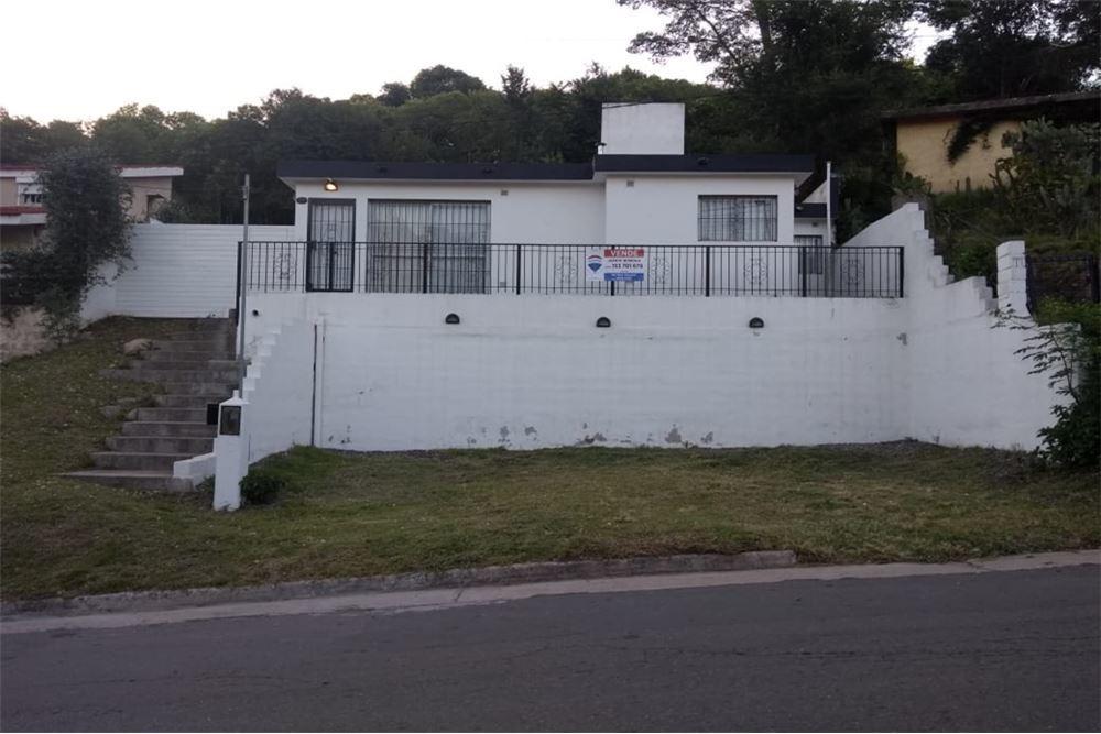 se vende casa sobre avenida principal