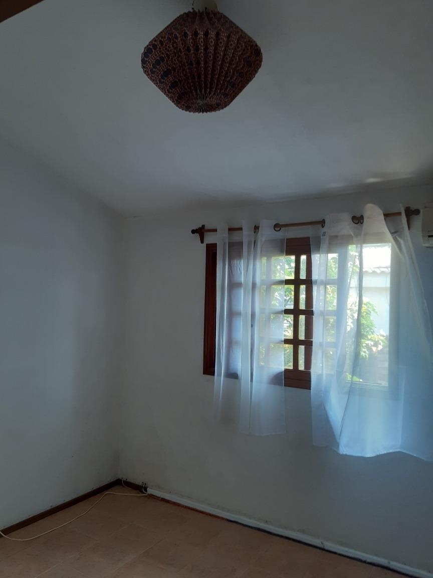 se vende casa tipo duplex en zona de carrasco
