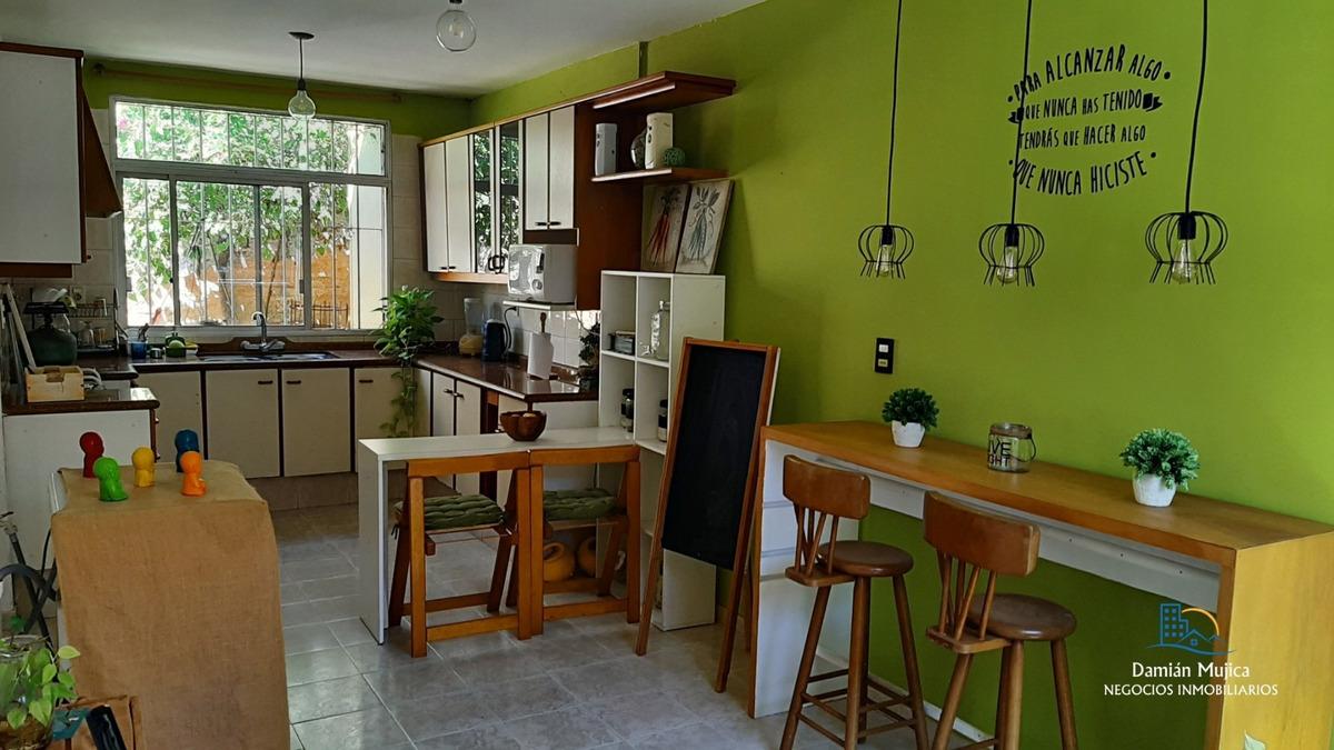 se vende casa - ubicación: comodoro coe (parque batlle)