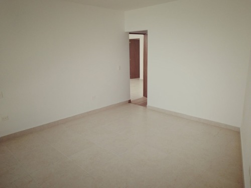 se vende casa única en el refugio