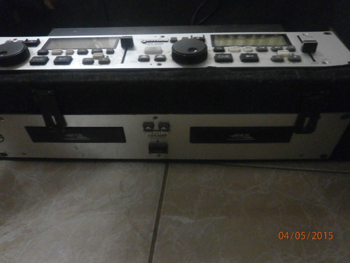 se vende cd player marca geminis