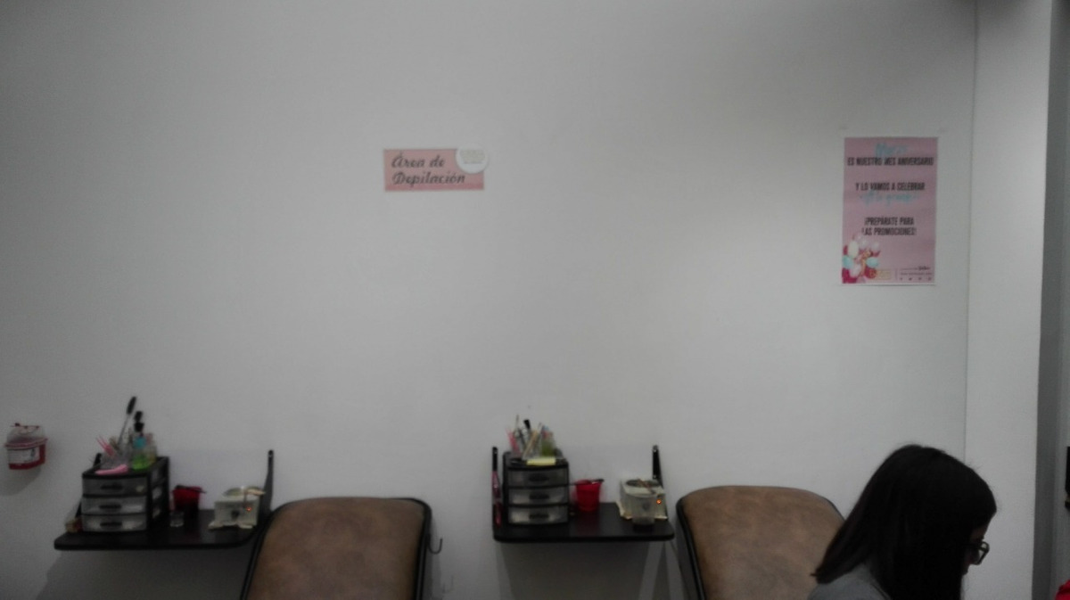 se vende centro especializado en cejas pestañas y depilación