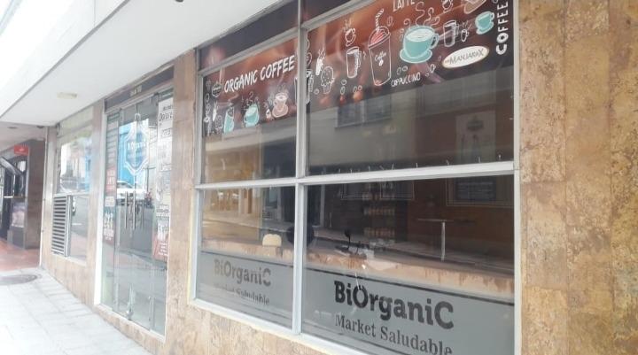 se vende centro naturista con cafetería