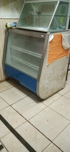 se vende cooler en $ 170000 y vitrina en $170.000 conversabl