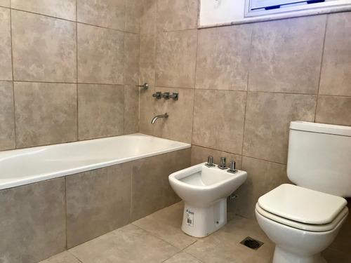 se vende departamento de 2 dormitorios - avda roca 843