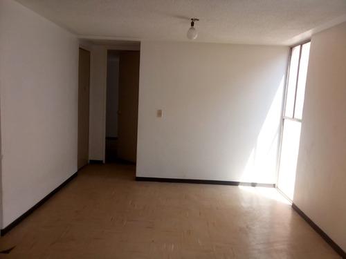 se vende departamento en privada y avenida principal