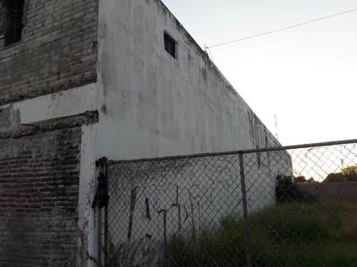 se vende edificio con terreno