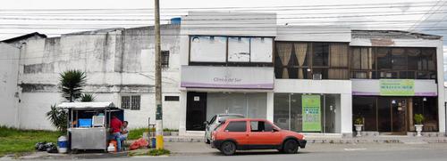 se vende edificio en avenida principal de armenia