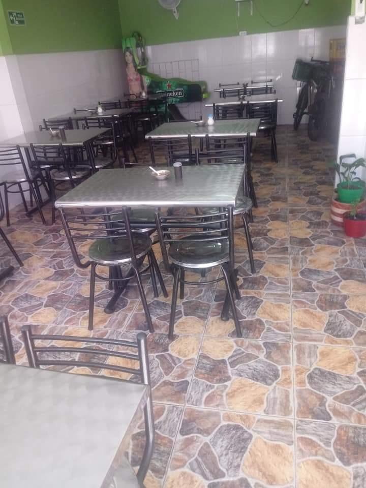 se vende el menaje para restaurante llamar al tel:3135603537