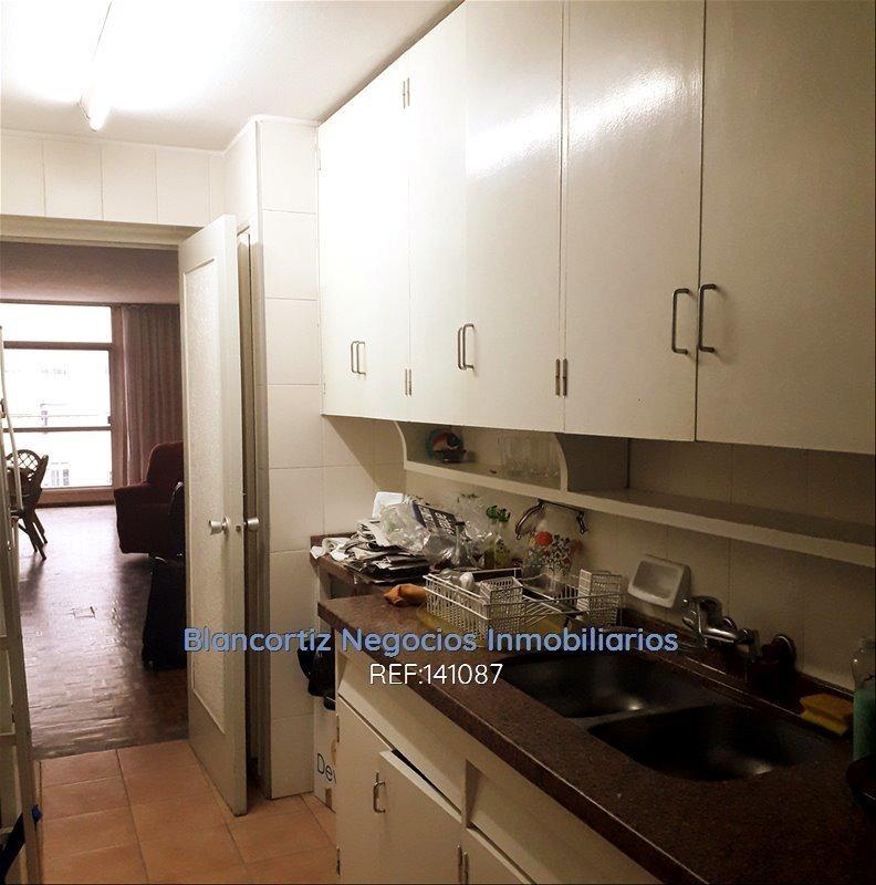 se vende en pocitos apartamento 4 dormitorios y garaje